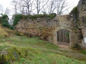Porte d'accès au château - automne 2011
